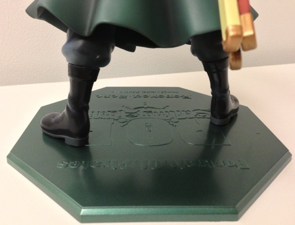 One Piece Sailing Again Zoro Figure Stand and Calf Paint Defect