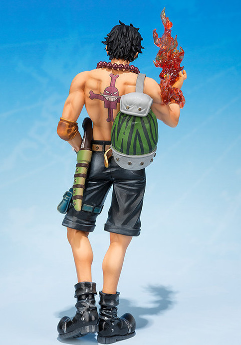 Back of 2015 Figuarts Zero 5th Anniversary Fire Fist Ace Figure