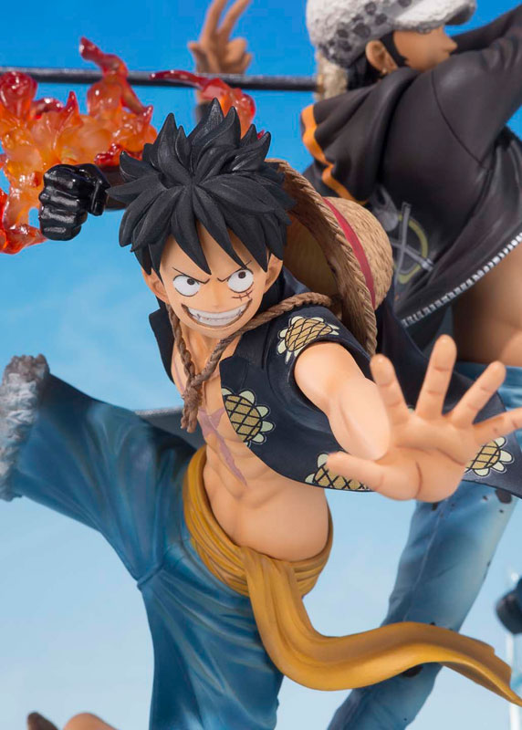 5th Anniversary Monkey D. Luffy Law Figure Close-Up Bandai Japan