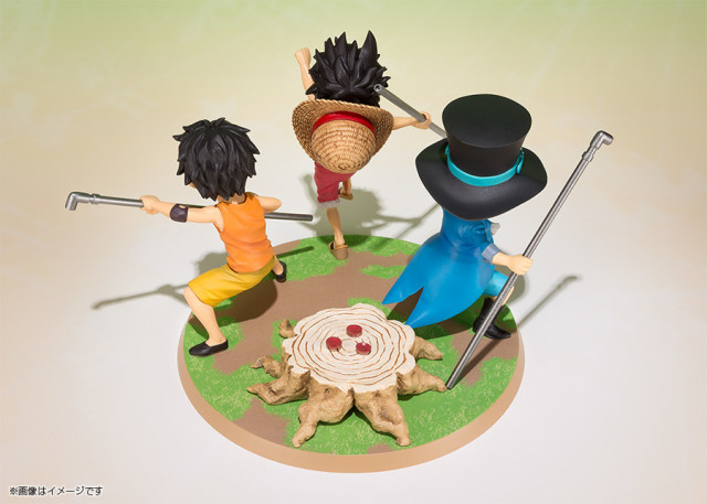 Figuarts One Piece Luffy Ace Sabo Brothers Statue Back