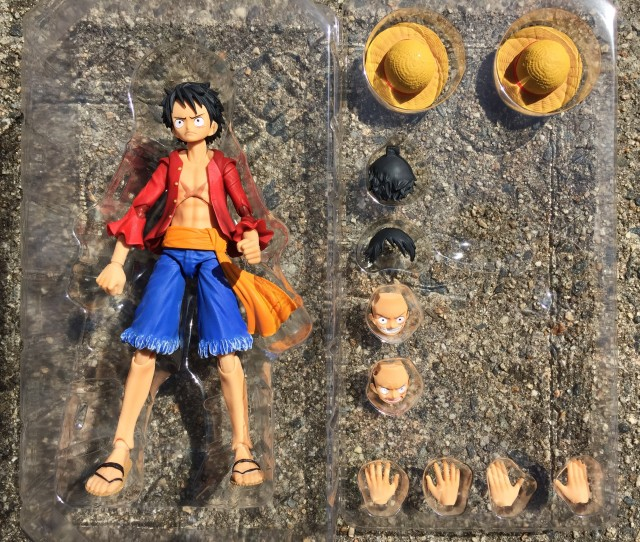 Variable Action Heroes Luffy Figure and Accessories